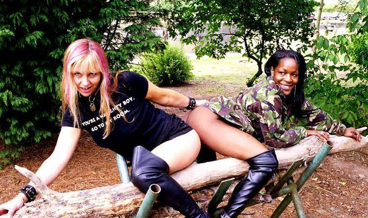 interracial lesben public nude